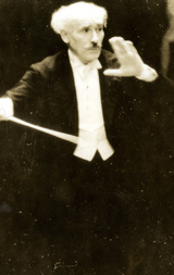 Arturo Toscanini conducting the NBC Symphony Orchestra in Carnegie Hall, circa 1938.