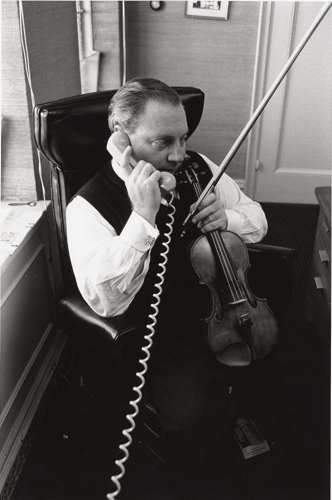 Isaac Stern on phone to NYC Mayor 1960